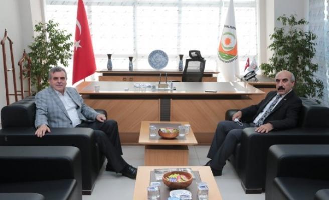 Beyazgül, CHP'li Başkan ile bir araya geldi