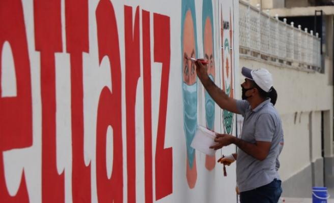Şanlıurfa'da hem kent estetiği hem de sağlıkçılar unutulmadı