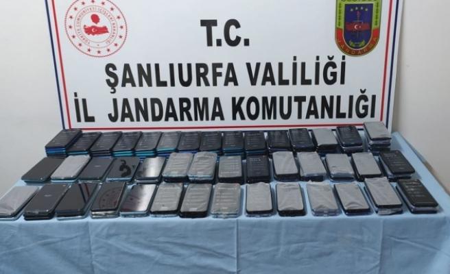 Eyyübiye'de 157 adet kaçak cep telefonu ele geçirildi