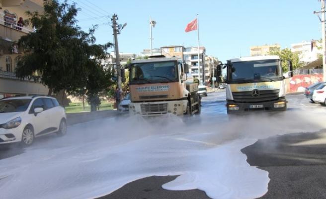 Haliliye'de temizlik çalışmaları gece-gündüz sürüyor