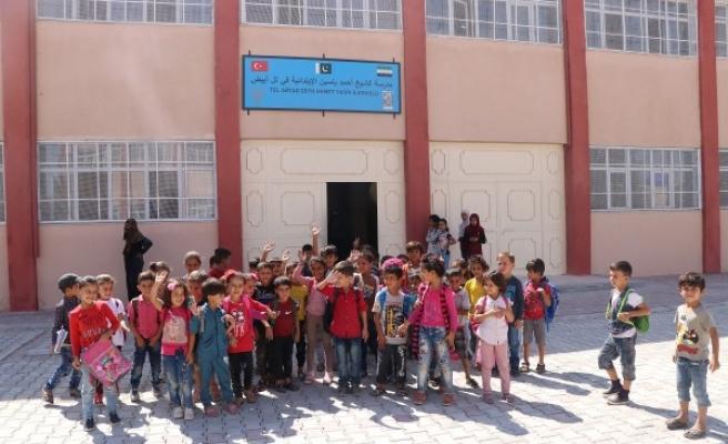 Barış Pınarı bölgesinde ilk ders zili çaldı