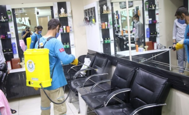 ATM'ler, parklar, sokaklar... Haliliye'de koronavirüs temizliği