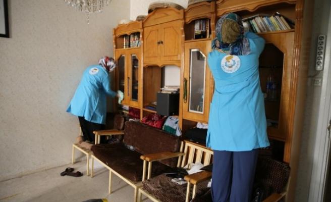 Urfa'da ihtiyaç sahibi ailelere destek sürüyor