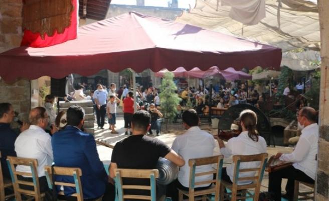 Tarihi Gümrük Han'da müzik sesleri yükseldi