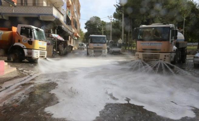 Urfa'nın ilçesinde koronavirüs mücadelesi sürüyor