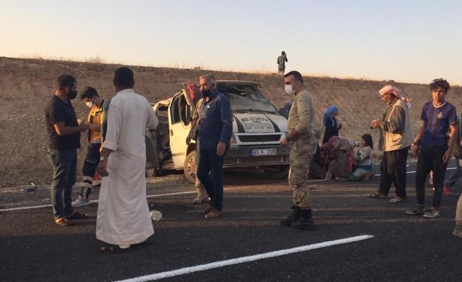 Ceylanpınar'da kaza: 1 ölü, 11 yaralı (EK)