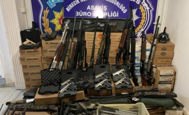 Şanlıurfa'da kaçak silah ve mermi satışına darbe!