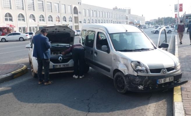Şanlıurfa'da kaza: İki araç çarpıştı