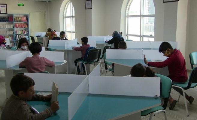 Eyyübiye'de EBA Destek Merkezine gençlerden ilgi
