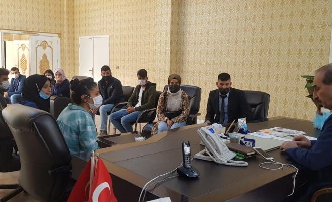 Urfa'nın ilçesinde öğrenciler başkanla buluştu