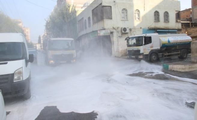 Haliliye'de korona temizliği: Sokaklar dezenfekte edildi