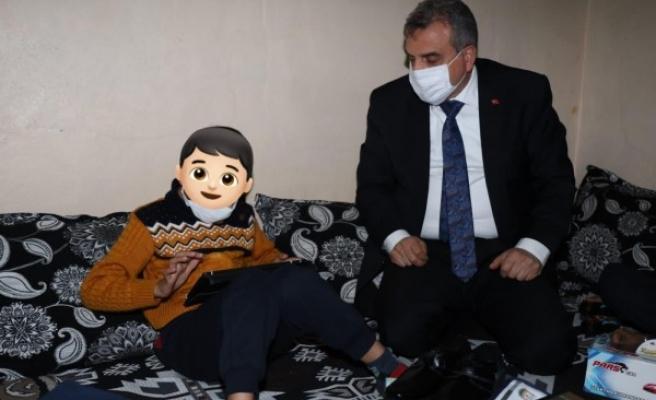 Şiddete uğrayan çocuğa Beyazgül'den ziyaret