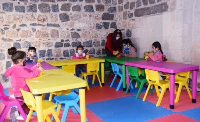 Viranşehir'de 'Eğitimi Destekleyici Çocuk Oyun Alanı' kuruldu