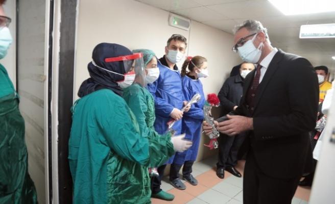 Mehmet Kuş, sağlık çalışanlarını unutmadı