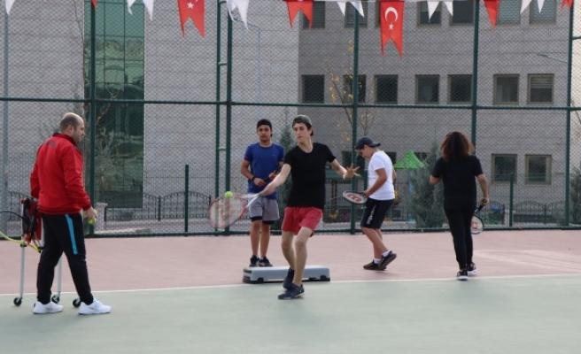 Geleceğin tenis şampiyonları Şanlıurfa'da yetişiyor