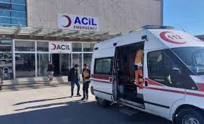Şanlıurfa'da motosiklet devrildi: 2 yaralı