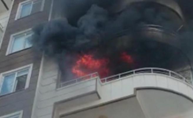 Karaköprü'de ev alev alev yandı!