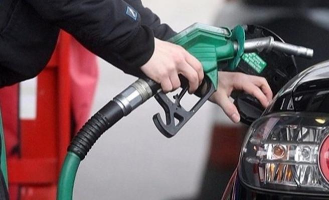 Benzin fiyatlarına 7 kuruş zam yapıldı