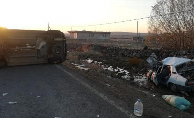 Siverek'te araçlar çarpıştı: 8 yaralı