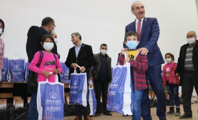 Akçakale'de 83 çölyak hastası çocuğa gıda desteği verildi
