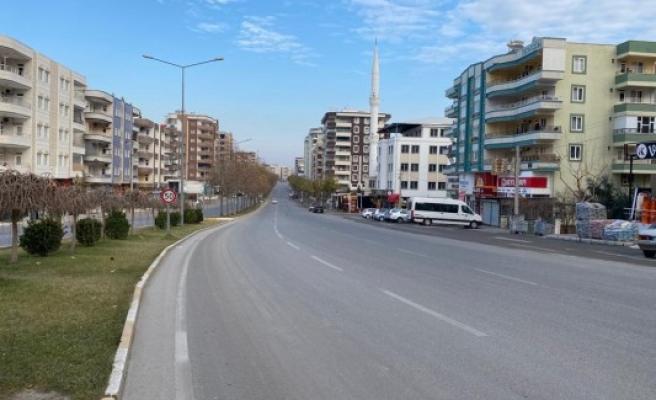 Şanlıurfa'daki sessizlik cadde ve sokaklara yansıyor
