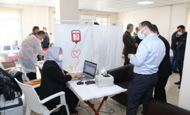 Urfa'da sağlık çalışanları kan bağışladı