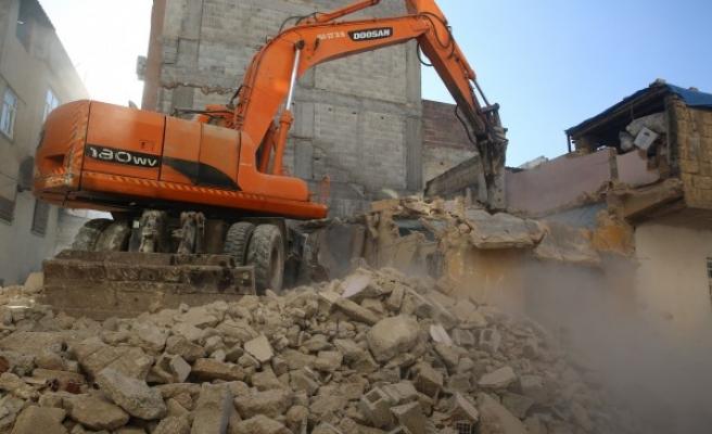 Urfa'nın ilçesinde 1 yılda 78 metruk yapı yıkıldı