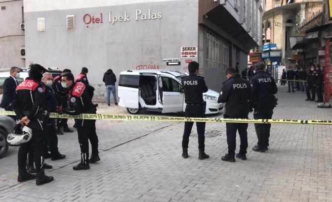 Şanlıurfa'da otomobile silahlı saldırı: 1 yaralı