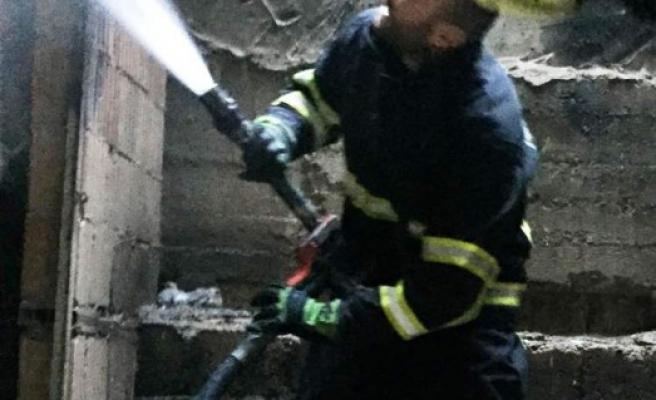 Şanlıurfa'da odunluğa atılan sigara izmariti yangına neden oldu