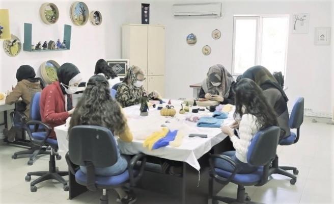 Şanlıurfa'da eğitim merkezlerinde kadınlar hayata bağlanıyor
