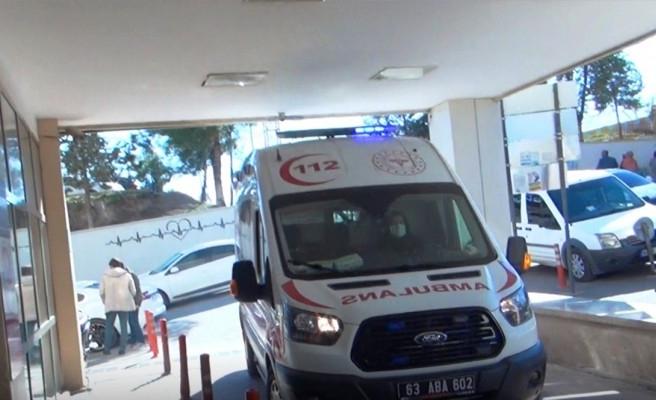 Şanlıurfa'da kamyonet devrildi: 2 yaralı