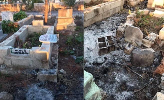 Suruç'ta mezarlığa zarar verildi