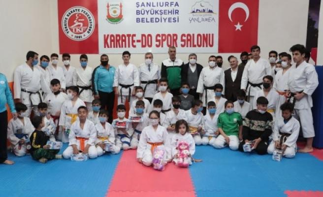 Beyazgül karate yapan gençlerle buluştu