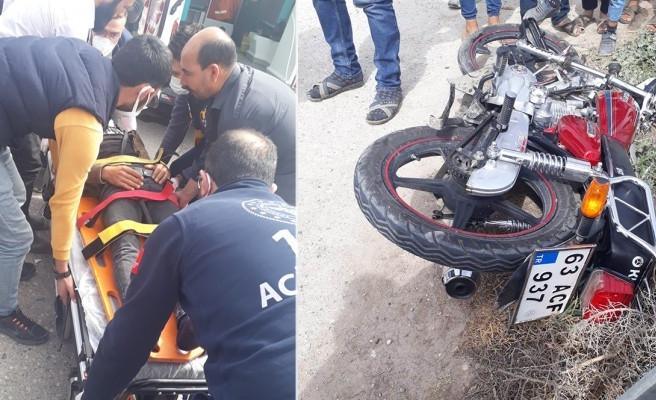 Şanlıurfa'da motosiklet kamyonete çarptı