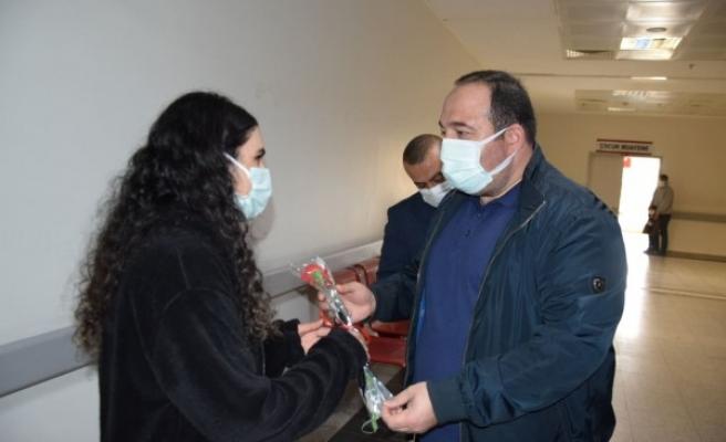 Ekinci, sağlık çalışanlarının bayramını kutladı
