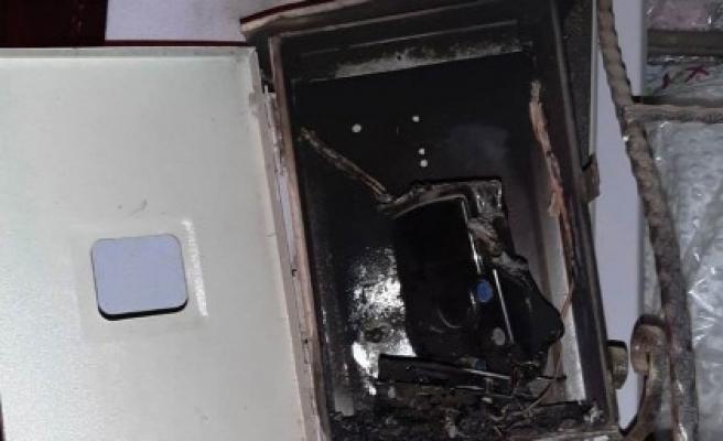 Şanlıurfa'da elektrik sayacından yangın çıktı