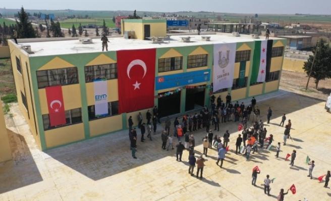 Barış Pınarı'nda tadilatları yapılan okullar törenle açıldı