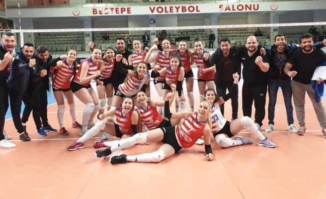 Viranşehir Belediyesi Kadın Voleybol Takım, finallere çıkmaya hak kazandı
