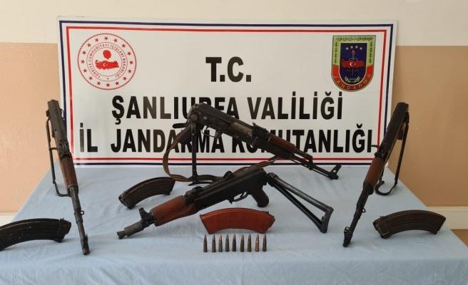 Şanlıurfa'da sulama borusundan uzun namlulu silahlar çıktı