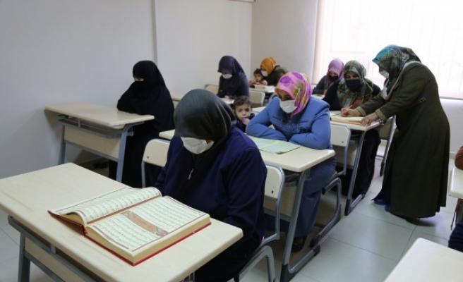 Haliliye Belediyesi kadınlara kurs veriyor