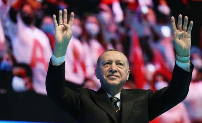 Erdoğan, yeniden AK Parti Genel Başkanı seçildi