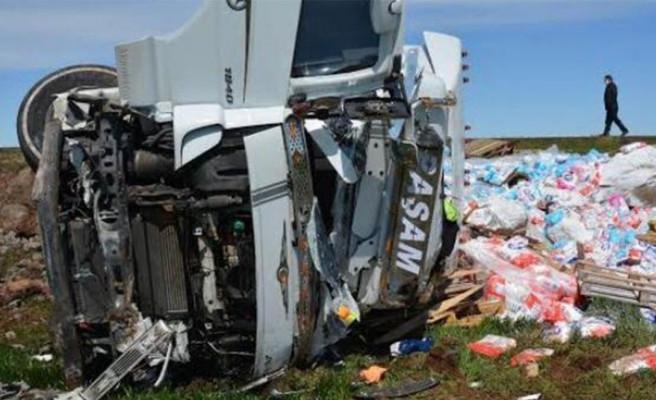 Şanlıurfa'da TIR kazası: 1 ölü, 1 yaralı