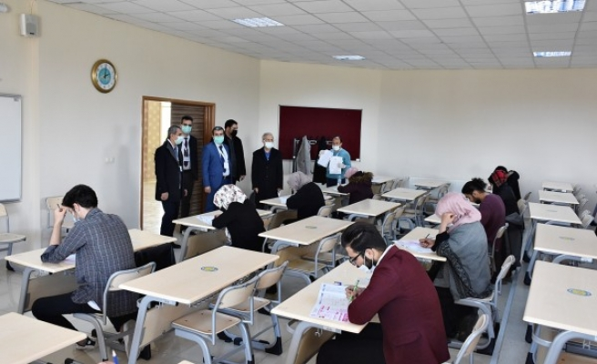 HRÜ'de yabancı öğrencilere yönelik sınav gerçekleşti