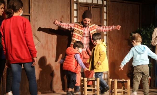 Dünya Tiyatro Günü'ne özel gösteri sergilendi