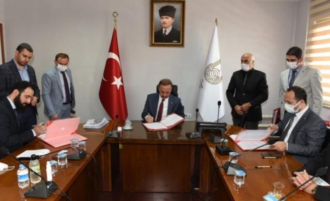 Katar Hayır Derneği ile iki protokol imzalandı