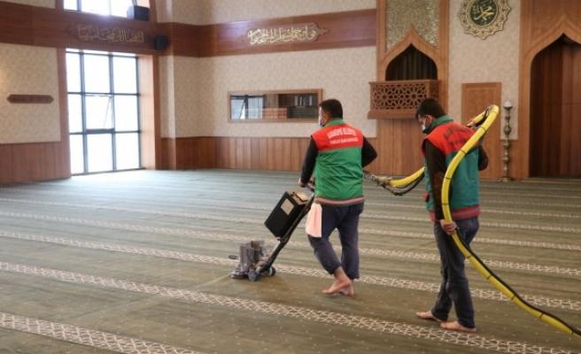 Karaköprü'de camiler 11 ayın sultanına hazırlanıyor
