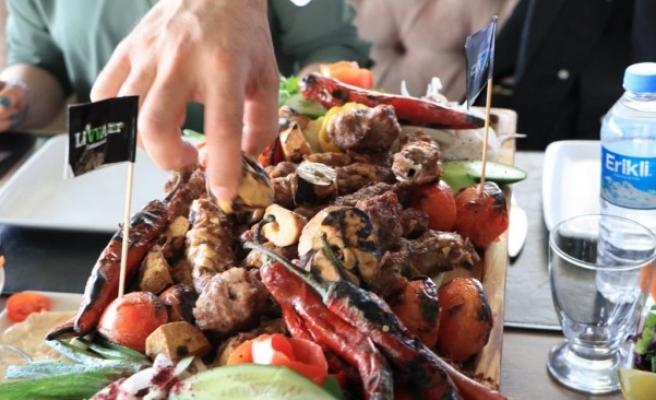 Keme kebabı Şanlıurfa'da gurmelerini bekliyor