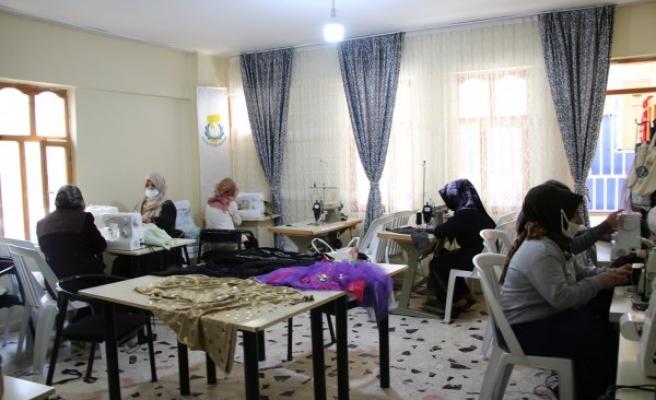 Haliliye'de kadınlar aile bütçelerine katkı sağlıyor
