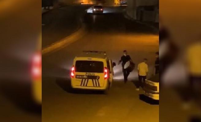 Urfa'da sahurda polisten davul şov