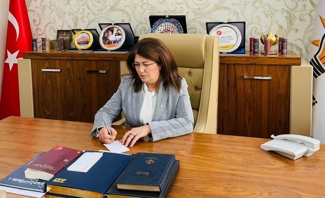 Polat 23 Nisan'ı kutladı (EK)